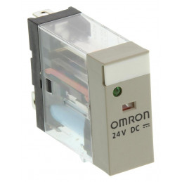 Omron, 24V dc Coil Non-Latching Relay SPDT, 10A Plug In Single